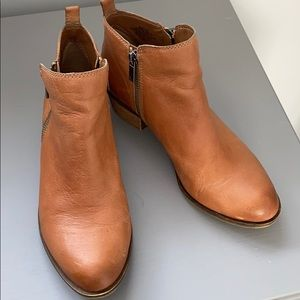 Lucky Brand LK Basel ankle booties